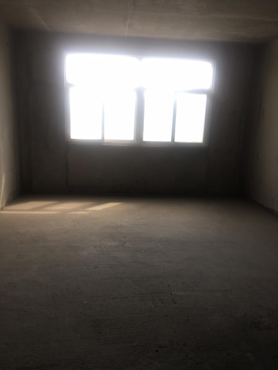 化建家园3室 2厅 2卫70万元