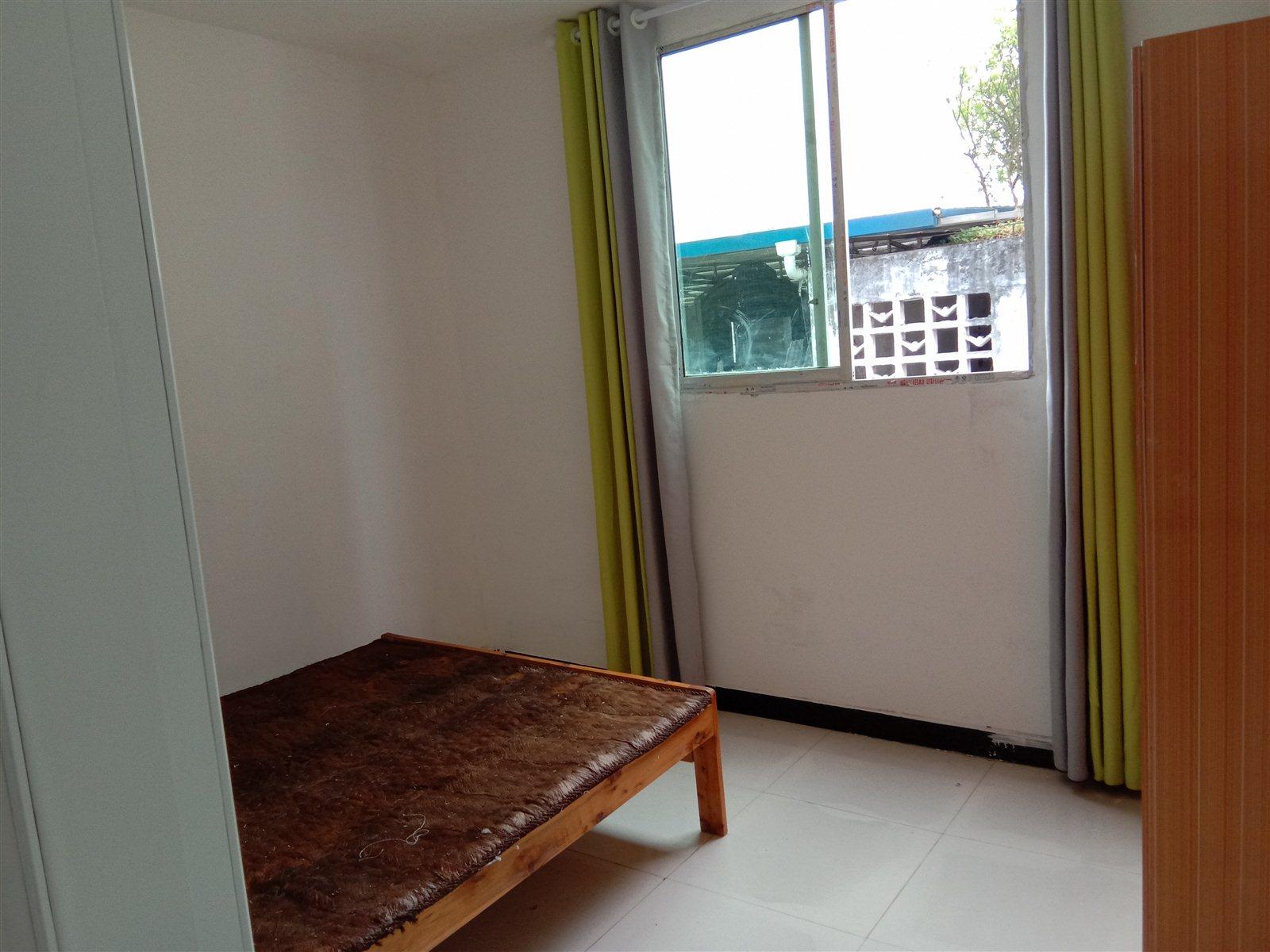 江南小区3室 2厅 2卫32.8万元买一套得两套