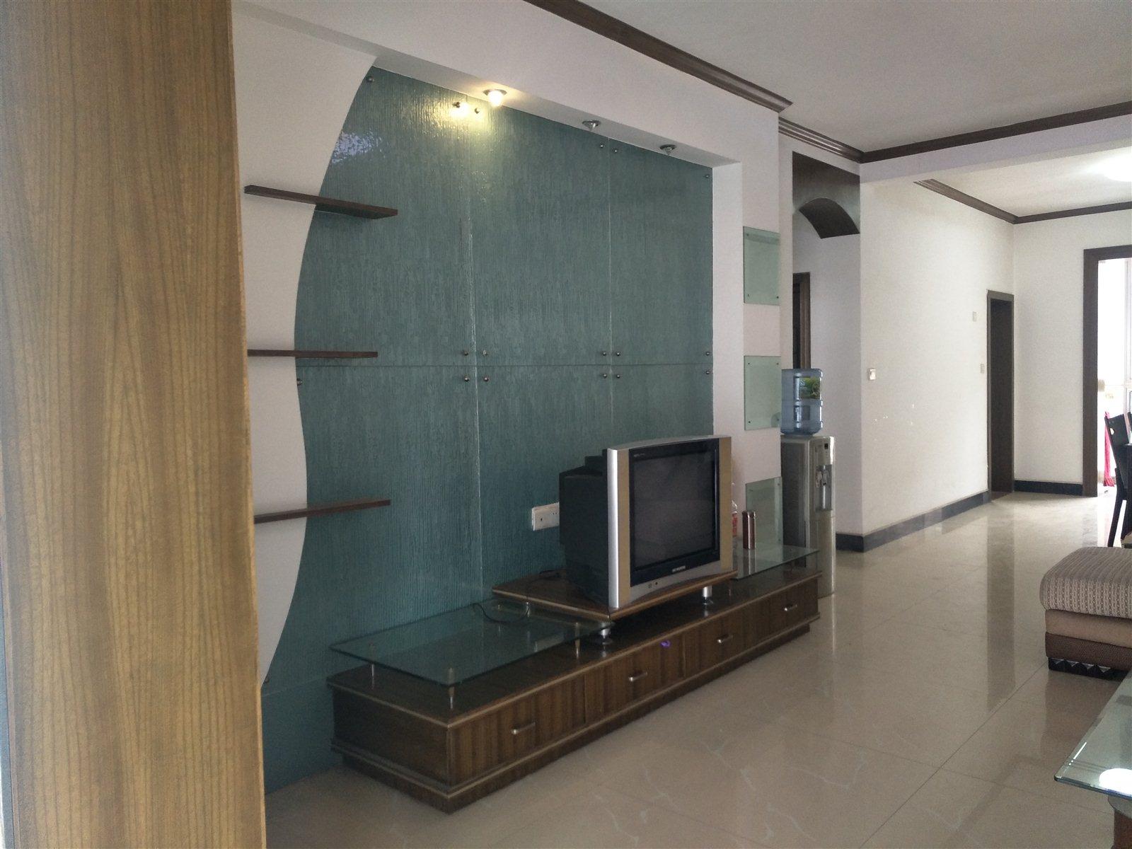 陈毅广场3室72万元
