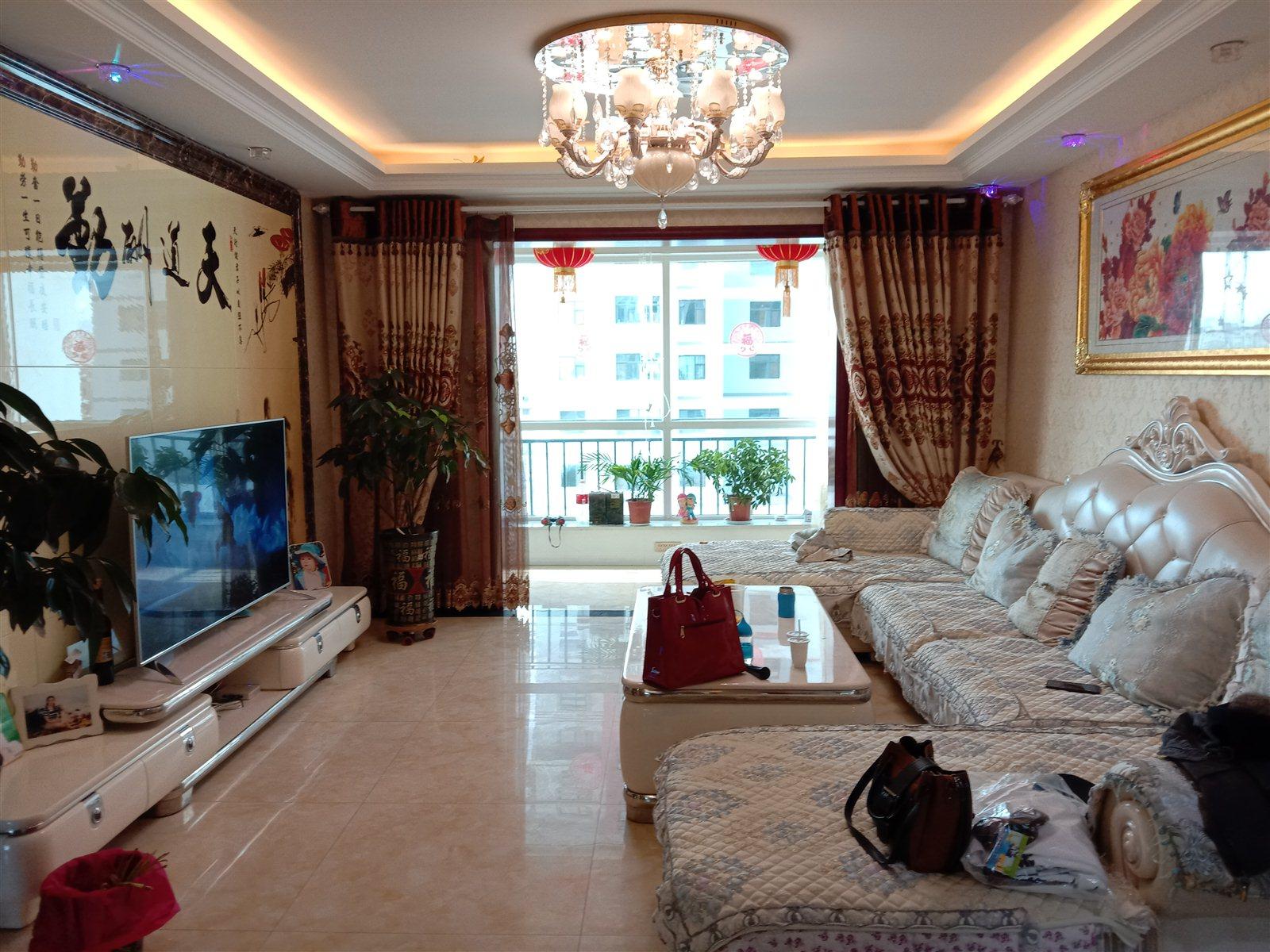 东方明都3室 2厅 1卫102万元
