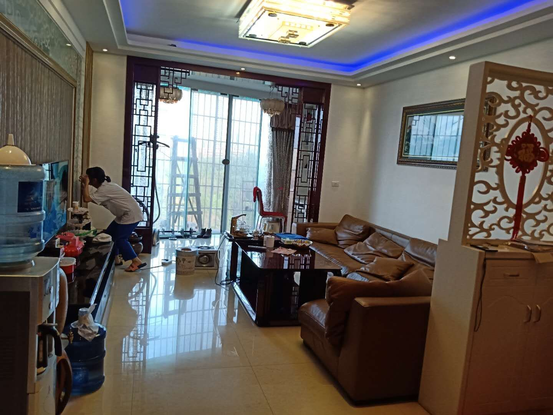龙腾盛锦苑2楼  大三房带家具家电 仅售85万元