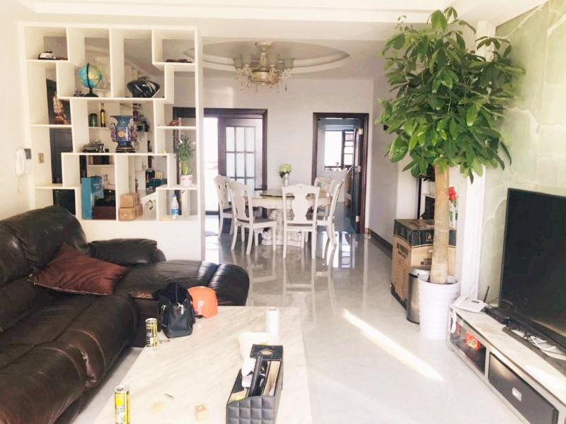 凤凰水城红树湾3室 急售390万元