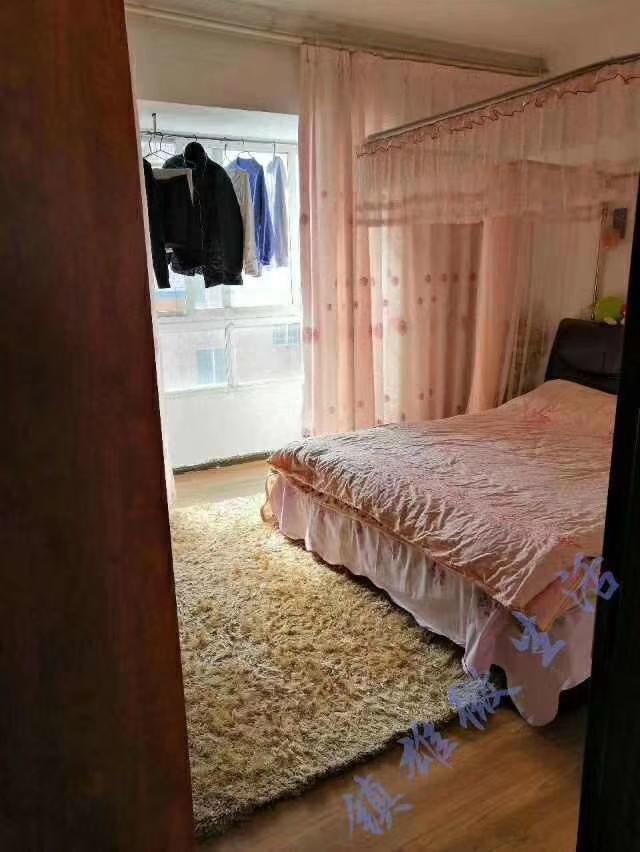 龙腾丽锦苑精装三房  仅售69.8万元  可贷款