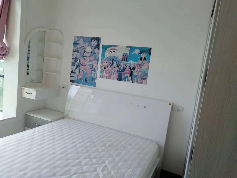 鸿福家园3室 2厅 2卫59.8万元