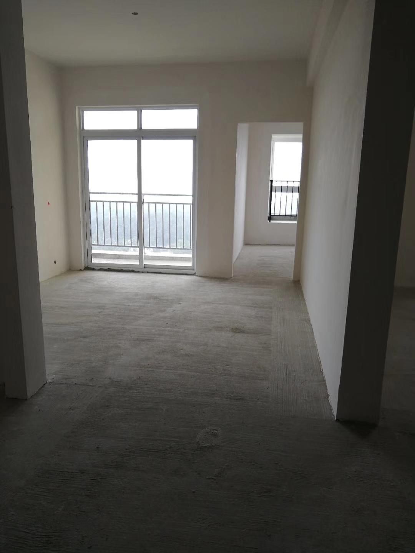 谦翔财富中心3室 1厅 1卫34.8万元