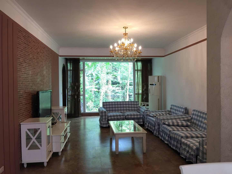 金利苑3室 2厅 2卫56.8万元