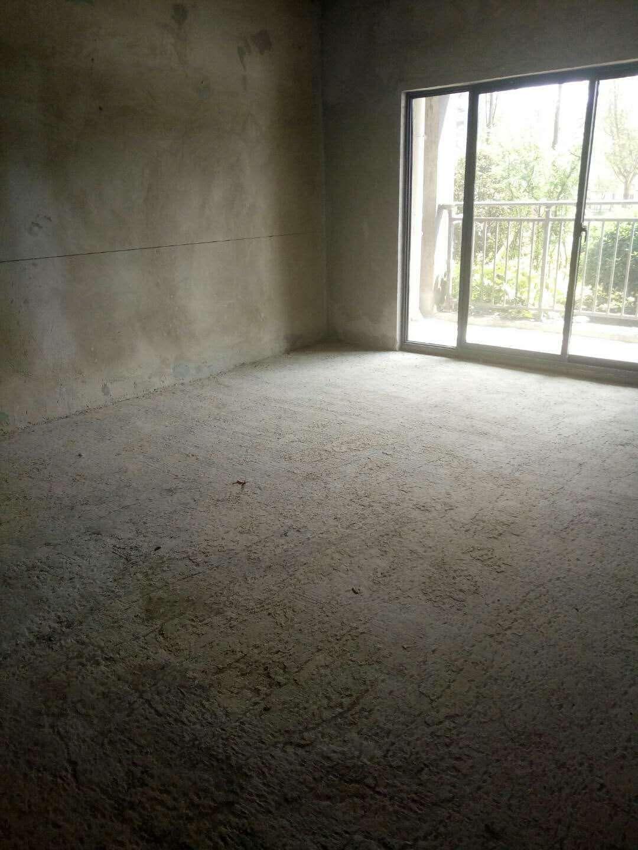 谦翔财富中心3室 1厅 1卫33.8万元