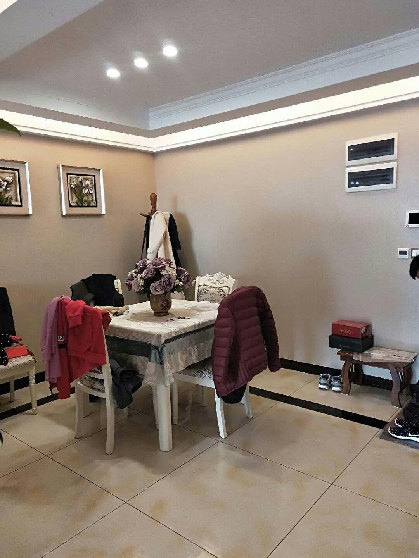 中山商城小区3室 2厅 1卫82.8万元