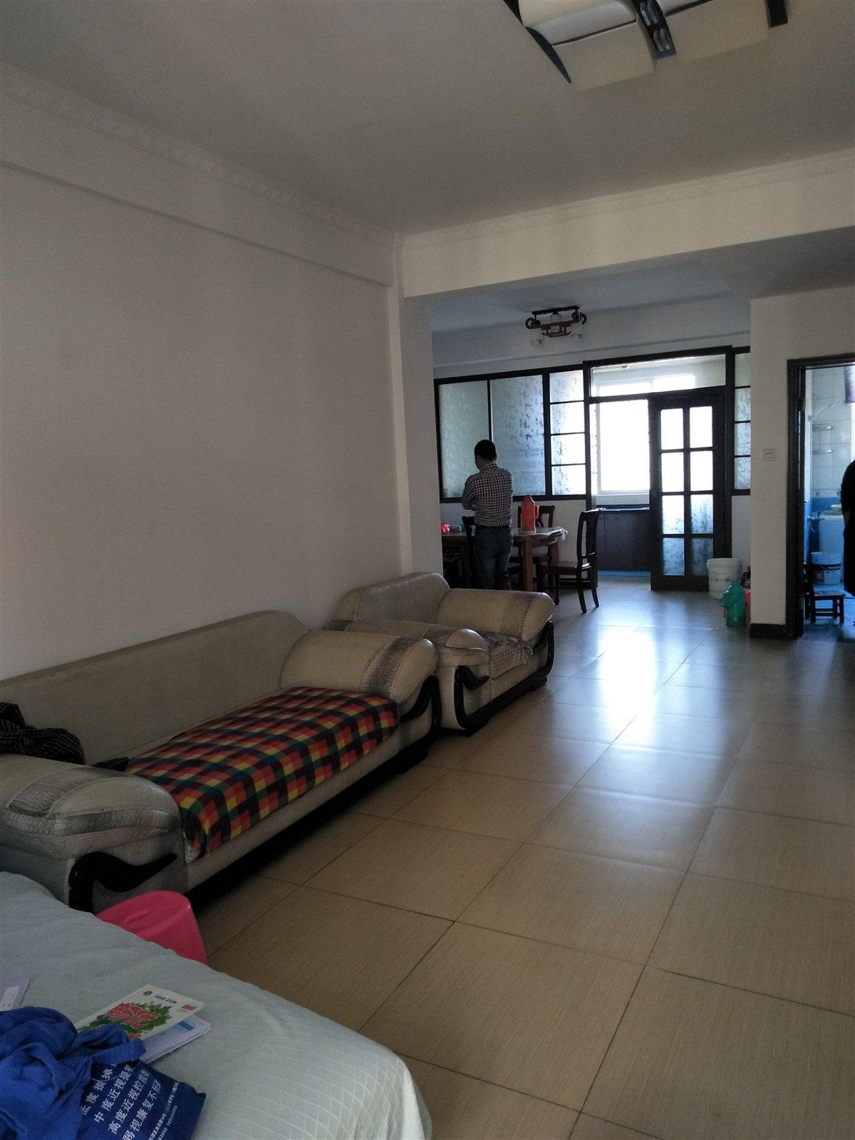 望城景园3室 2厅