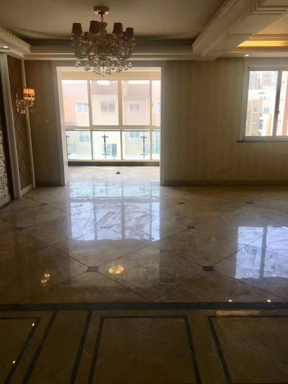 金报尊园电梯复式3室 2厅 3卫218万元
