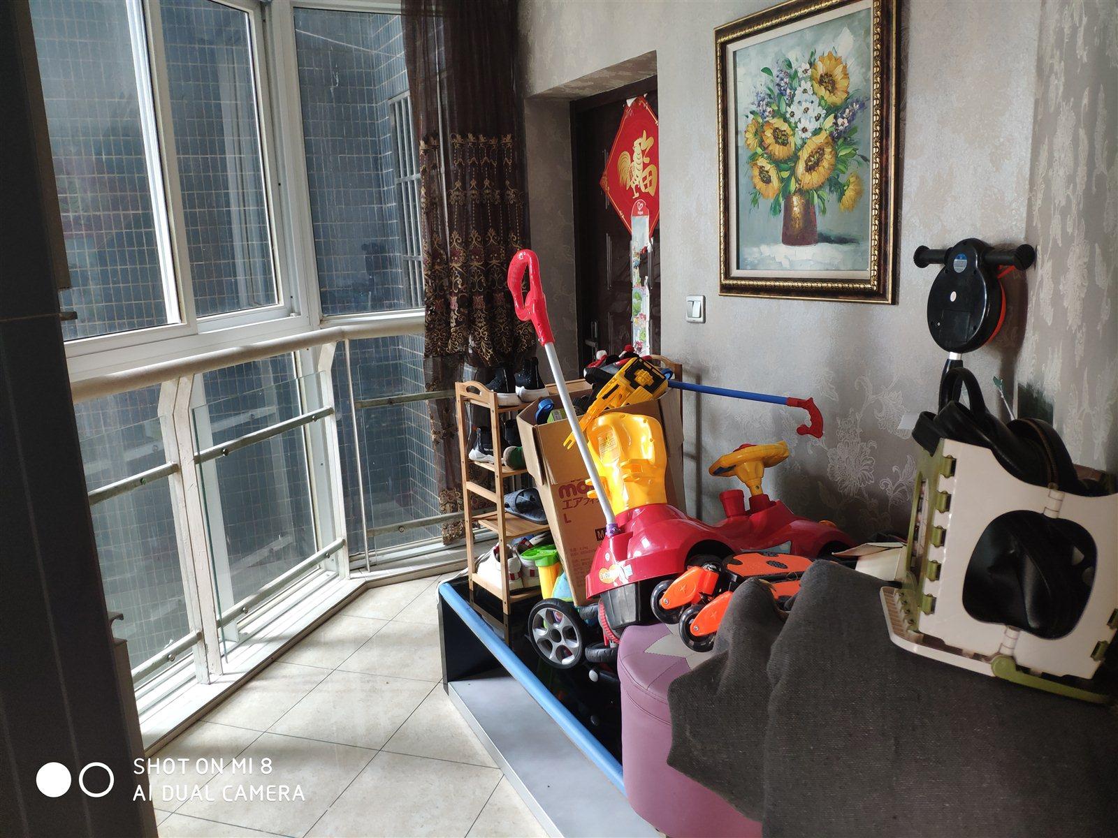 阳光花园3室 2厅 2卫68.8万元