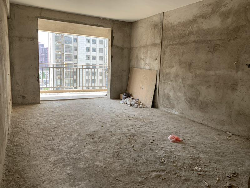 前期50万,入住凤凰城电梯高层南向三房