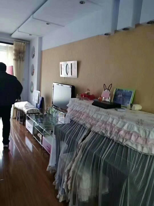 书香园2室 2厅 1卫68万元