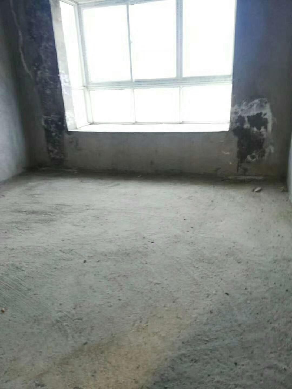 谦翔财富中心3室 2厅 1卫34.8万元