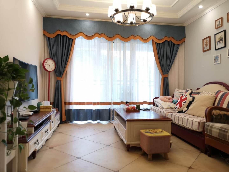 江岸国际精装修2室 2厅 2卫65.8万元