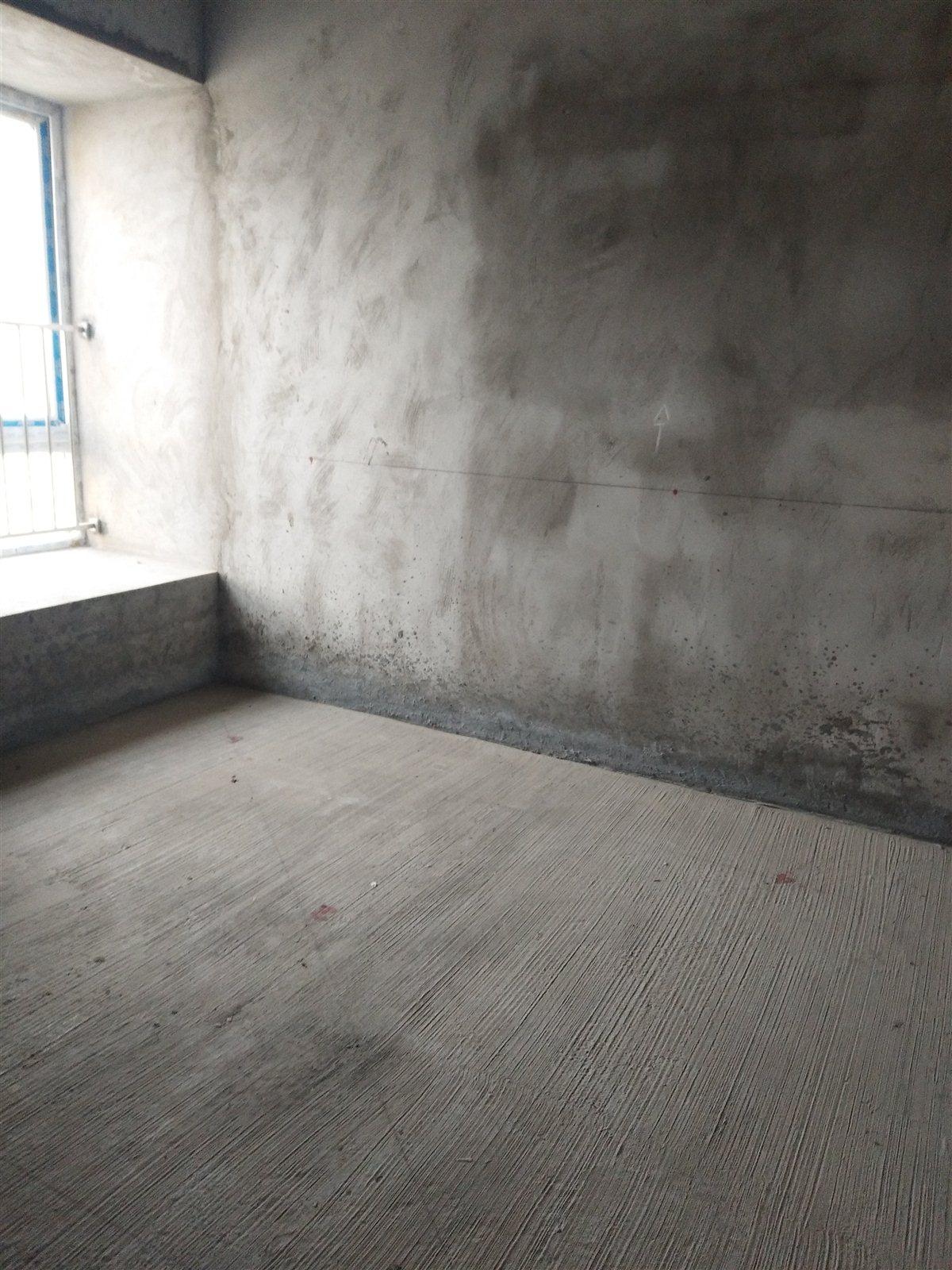 4790/㎡买南山明珠3室!中间楼层看中庭视野好!
