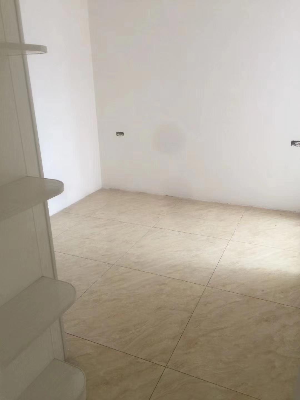 华龙城2室 2厅 1卫41万元