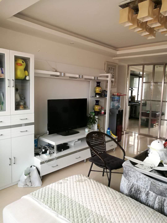 六块卑园林鑫城3室 2厅 精装首付低42.8万元