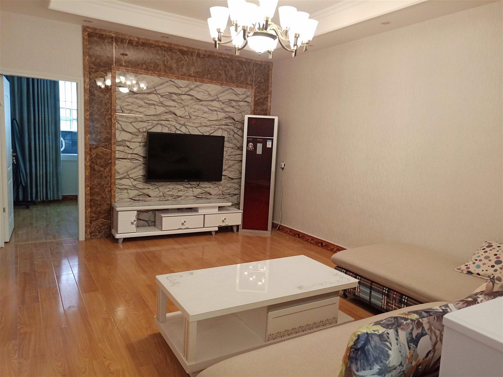 新南街精装4楼3室 2厅 1卫49.8万元