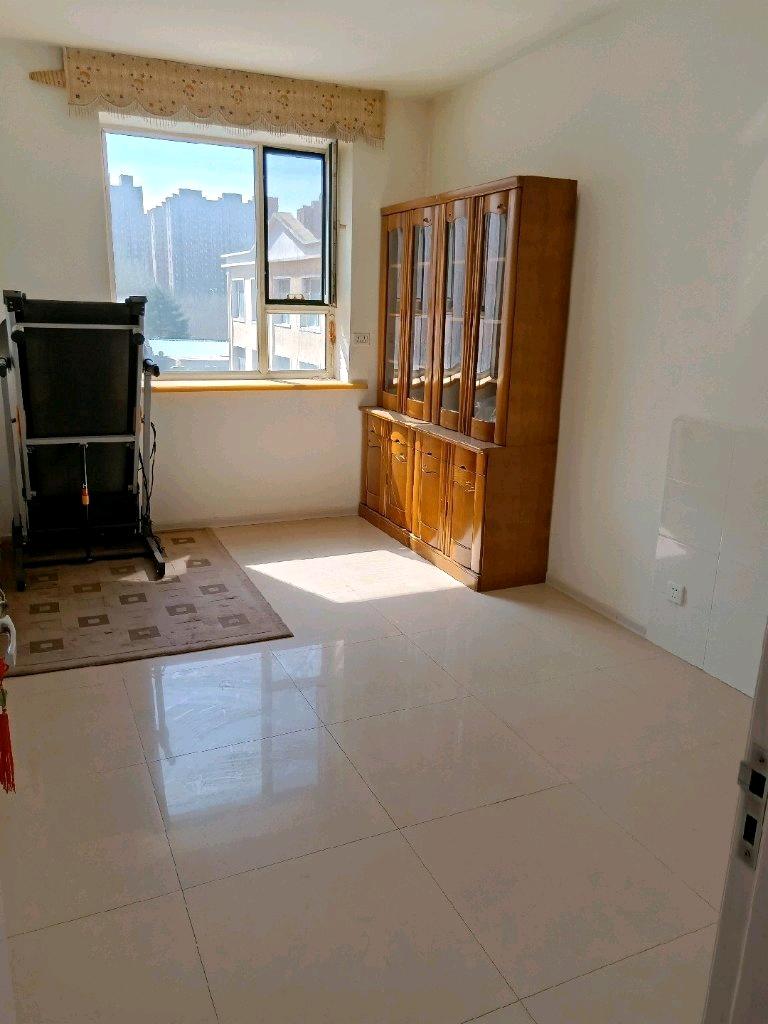 鹤林苑2室 1厅 1卫50万元