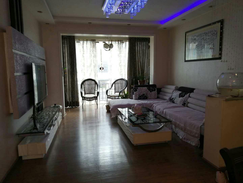 龙腾锦城3室 2厅 1卫68.8万元