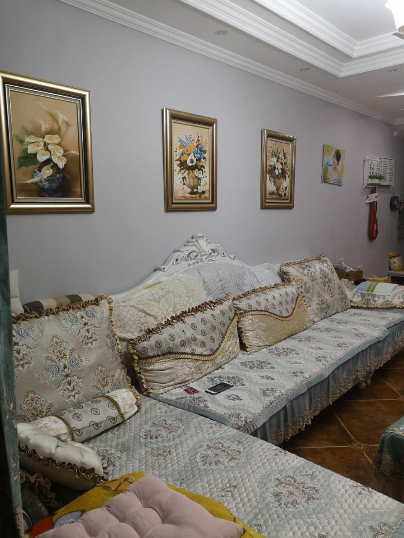 金河湾精装修3室 2厅 2卫76.8万元