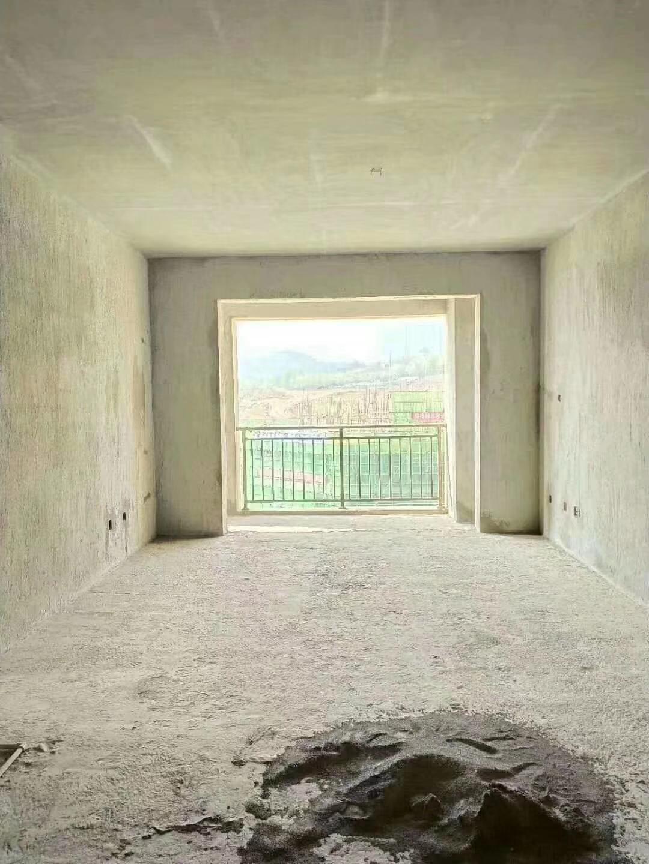 房东急卖急卖,5080一平米最低价。需要了抓紧啦