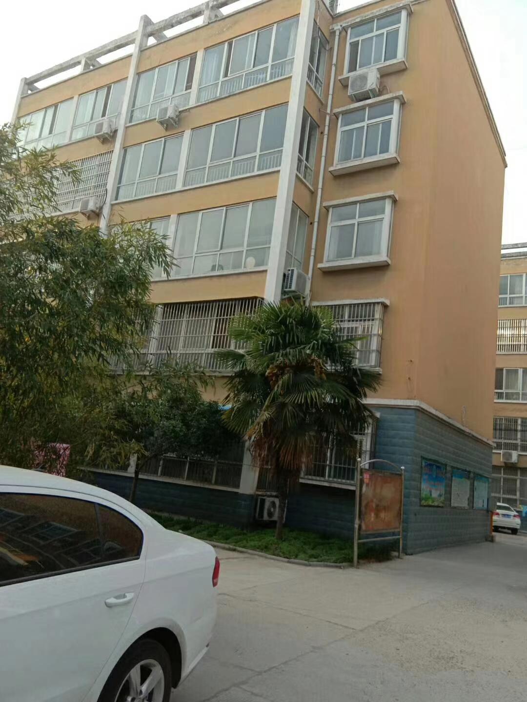 西城花苑3室 2厅 1卫35万元