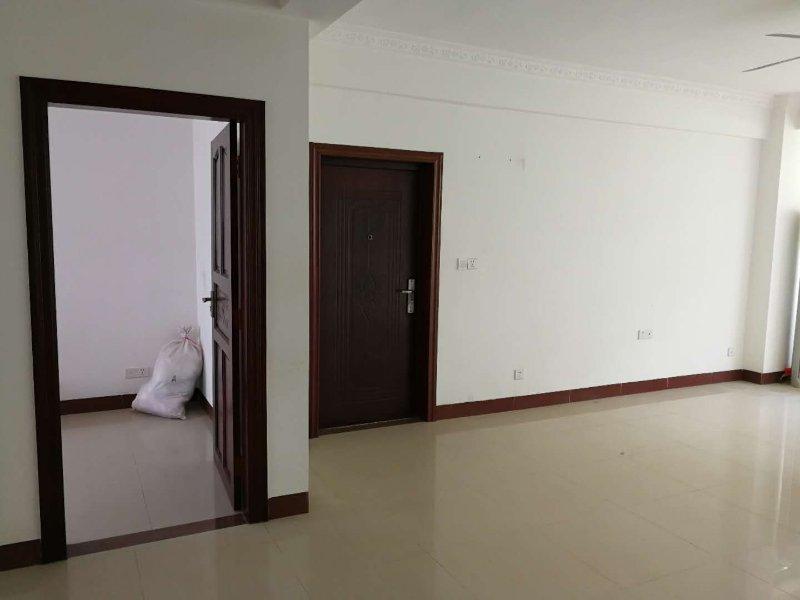 本地人福音,老政府政旁3室 2厅 2卫98万元