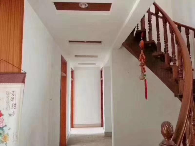 【急售】西苑小区4楼142平精装带阁楼99万元