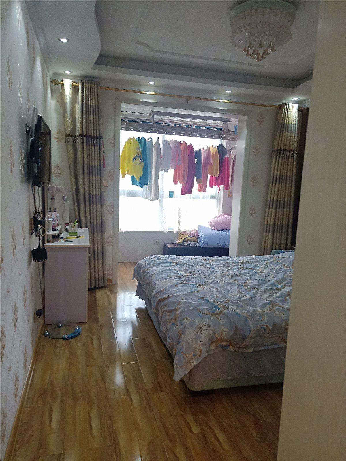 其他小区业主3室 2厅 2卫83万元