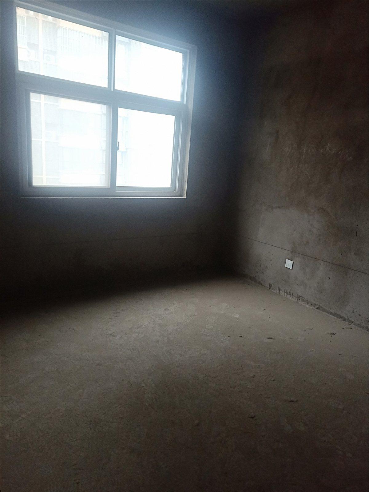 其他小区业主4室 2厅 2卫66万元