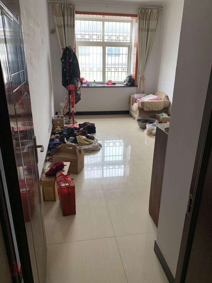 紫水派出所家属院3室 2厅 2卫87万元