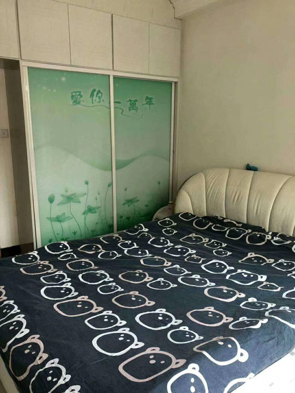 龙兴源小区2室2厅87平米精修