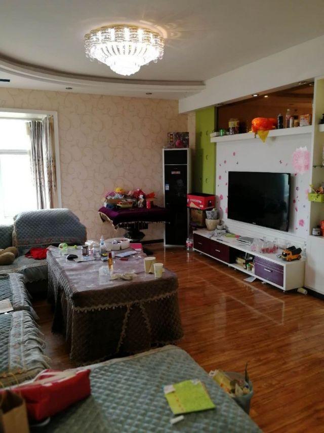 龙腾锦城3室 2厅 2卫75.4万元