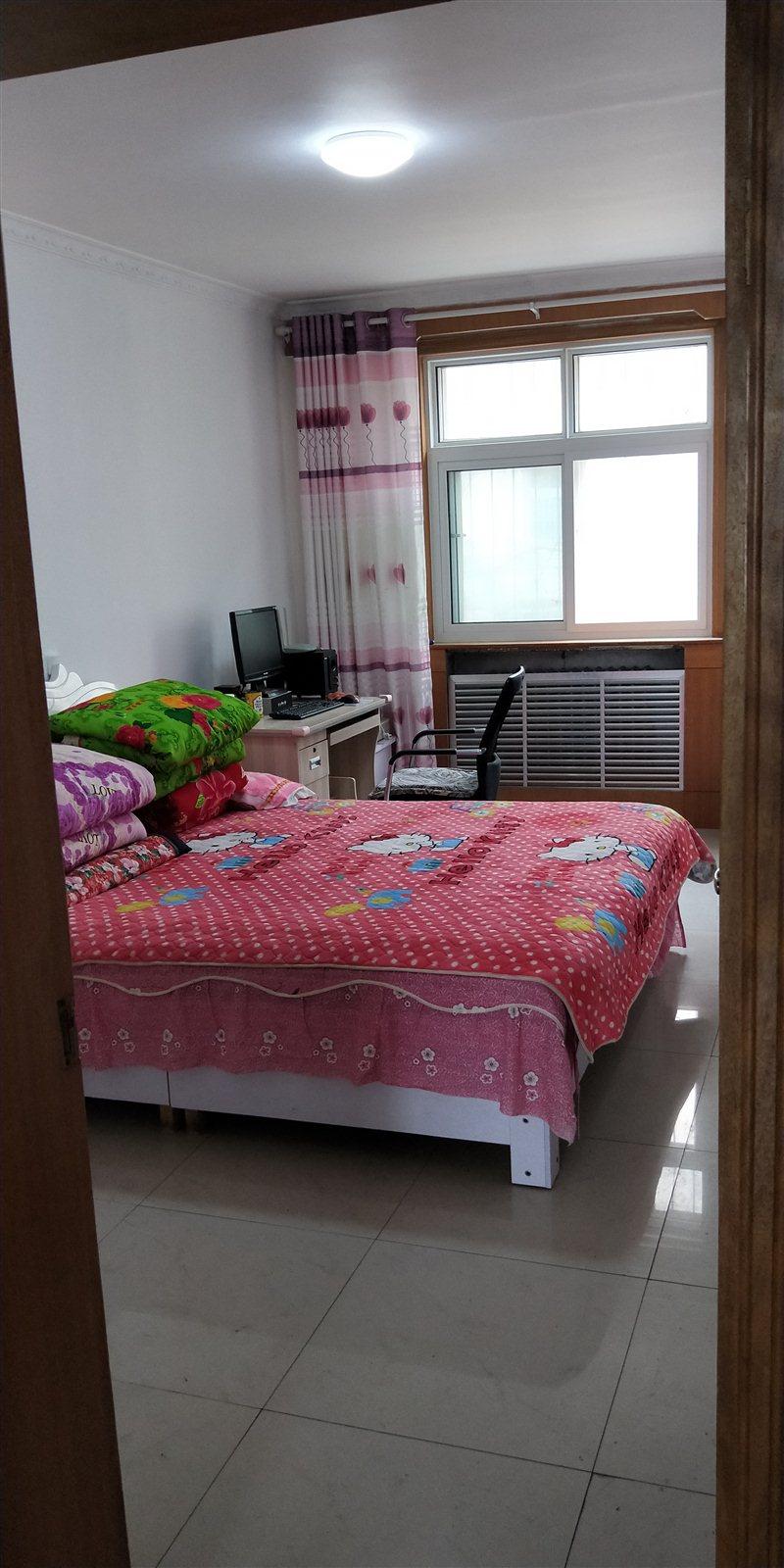 温馨家园3室 2厅 一厨一卫