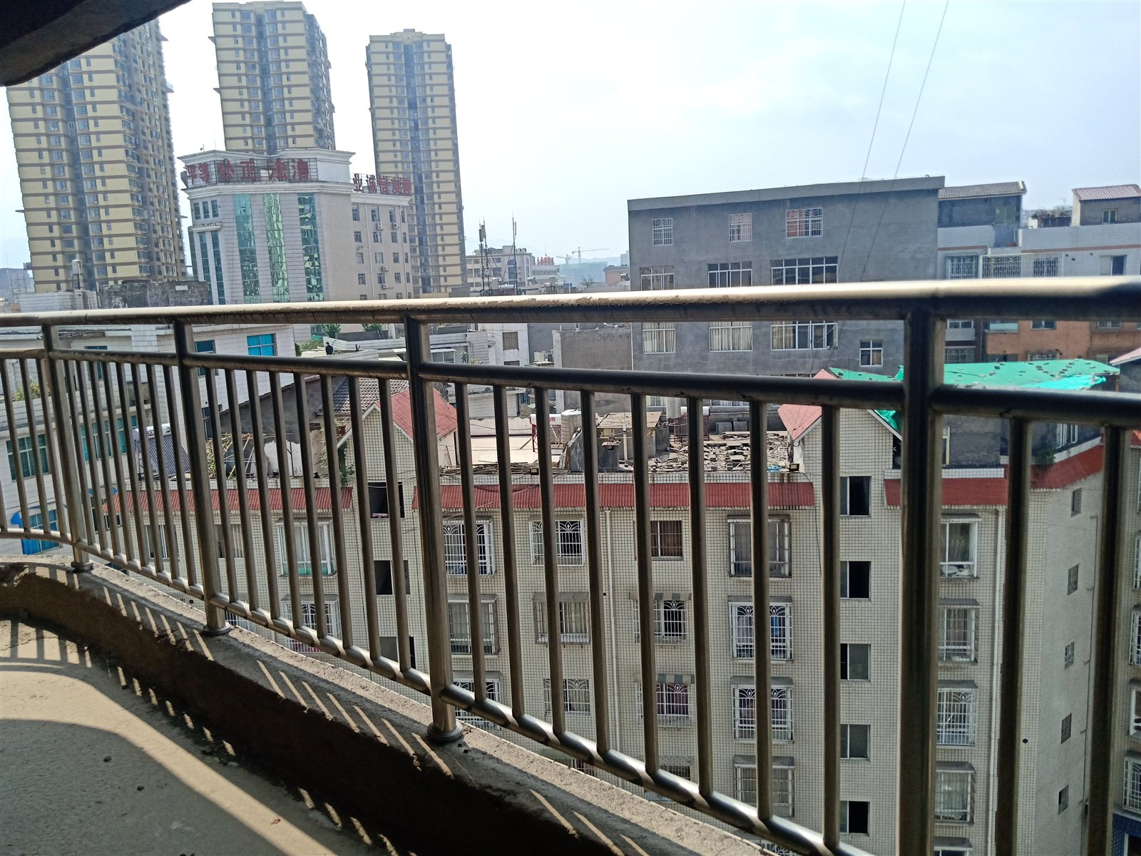 时代广场142.7平米黄金9楼正南向