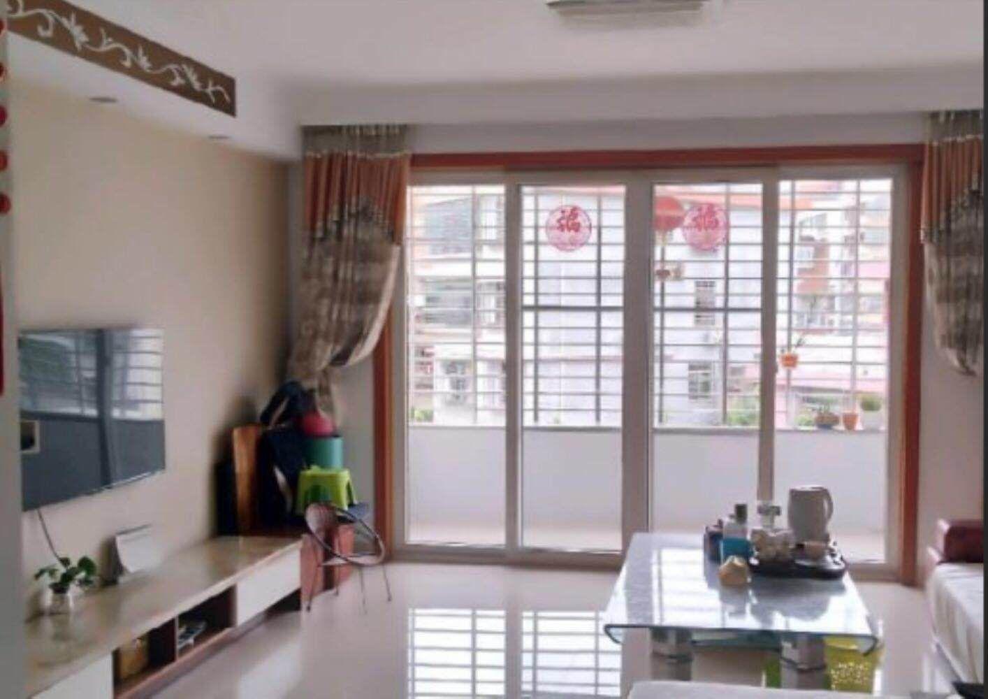 江滨花园3室 2厅 2卫113万元