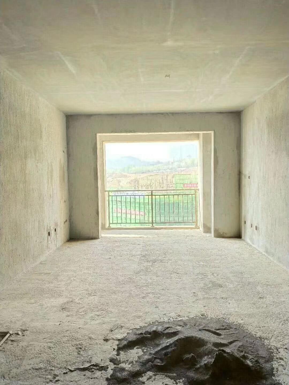 大都会3室 1厅 2卫54.8万元