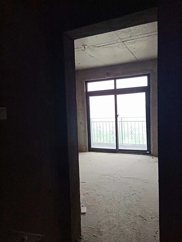 米兰小镇3室 2厅 1卫67万元