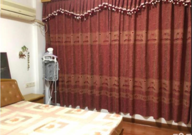 新加坡花园3室 2厅 2卫100万元