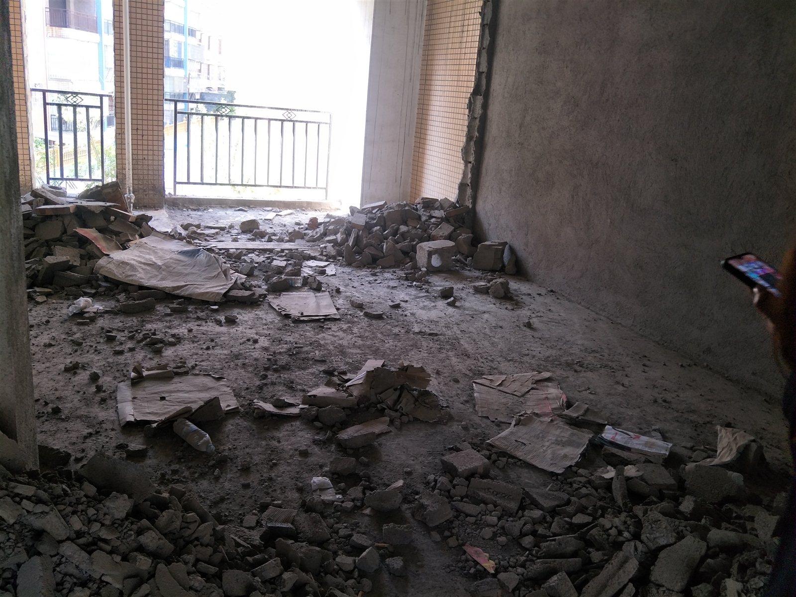 御景湾3楼3室 2厅 2卫6000/平米
