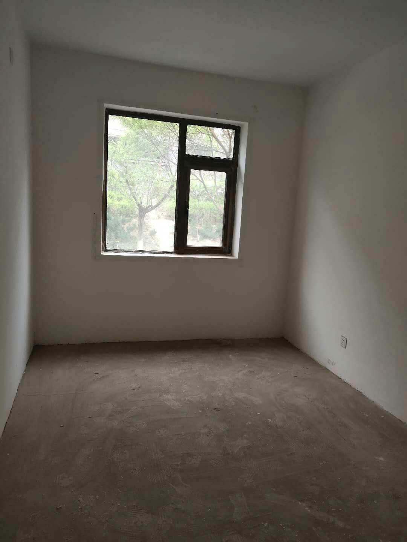 富力花园3室 2厅 2卫58万元