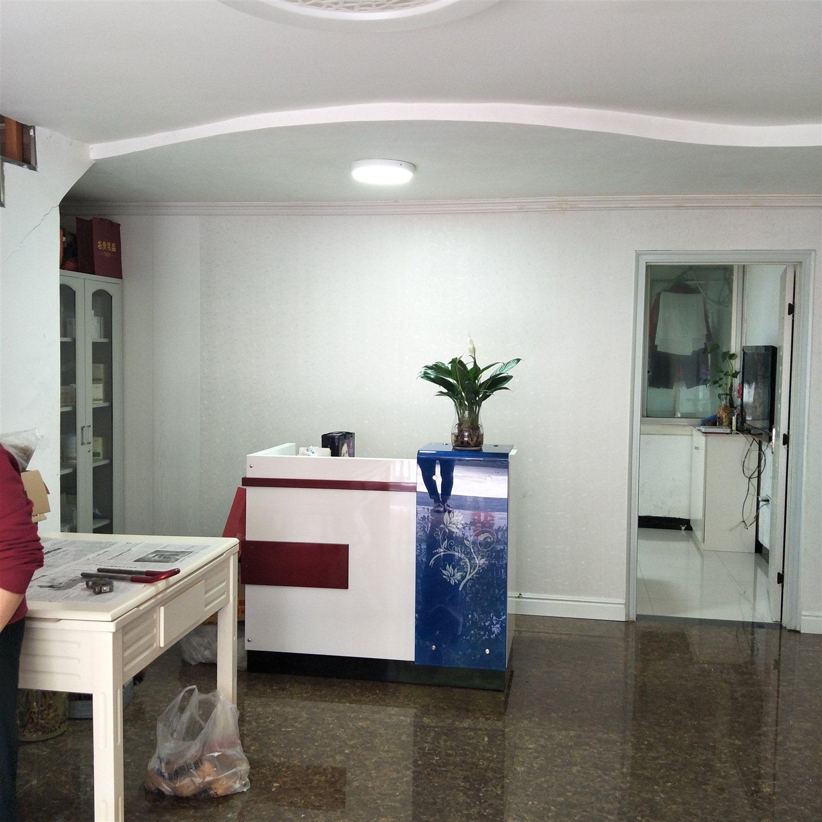 佳居苑一期3室 3厅 2卫71.8万元