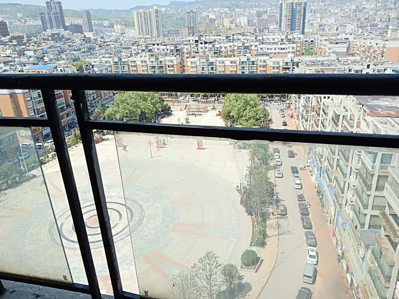 欣锦苑12楼3室129.8平米,首付22.6万