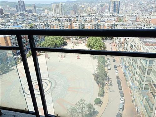 龙腾锦城3室 2厅 2卫72.68万元黄金楼层