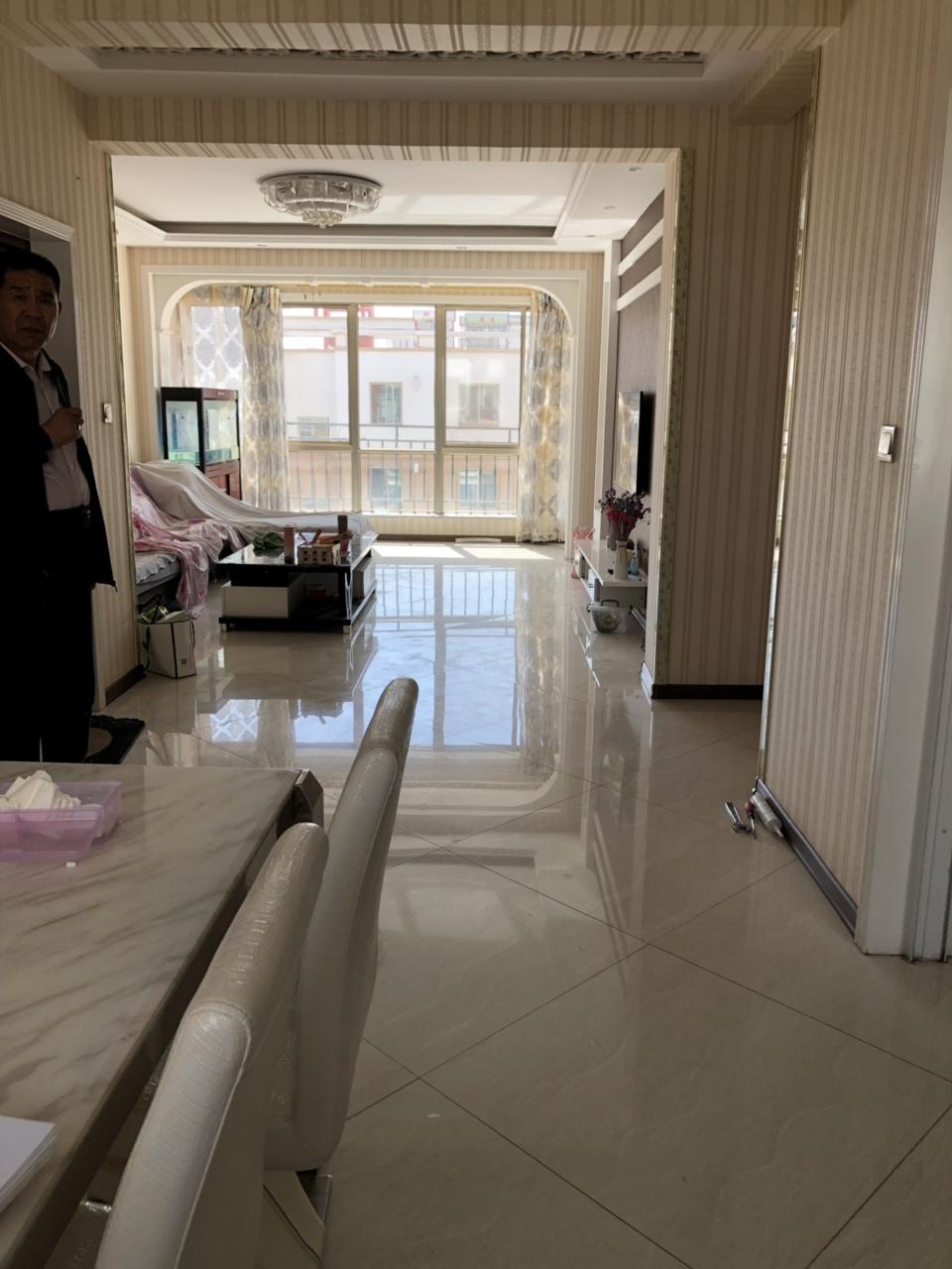 金色家园三室两厅精装修