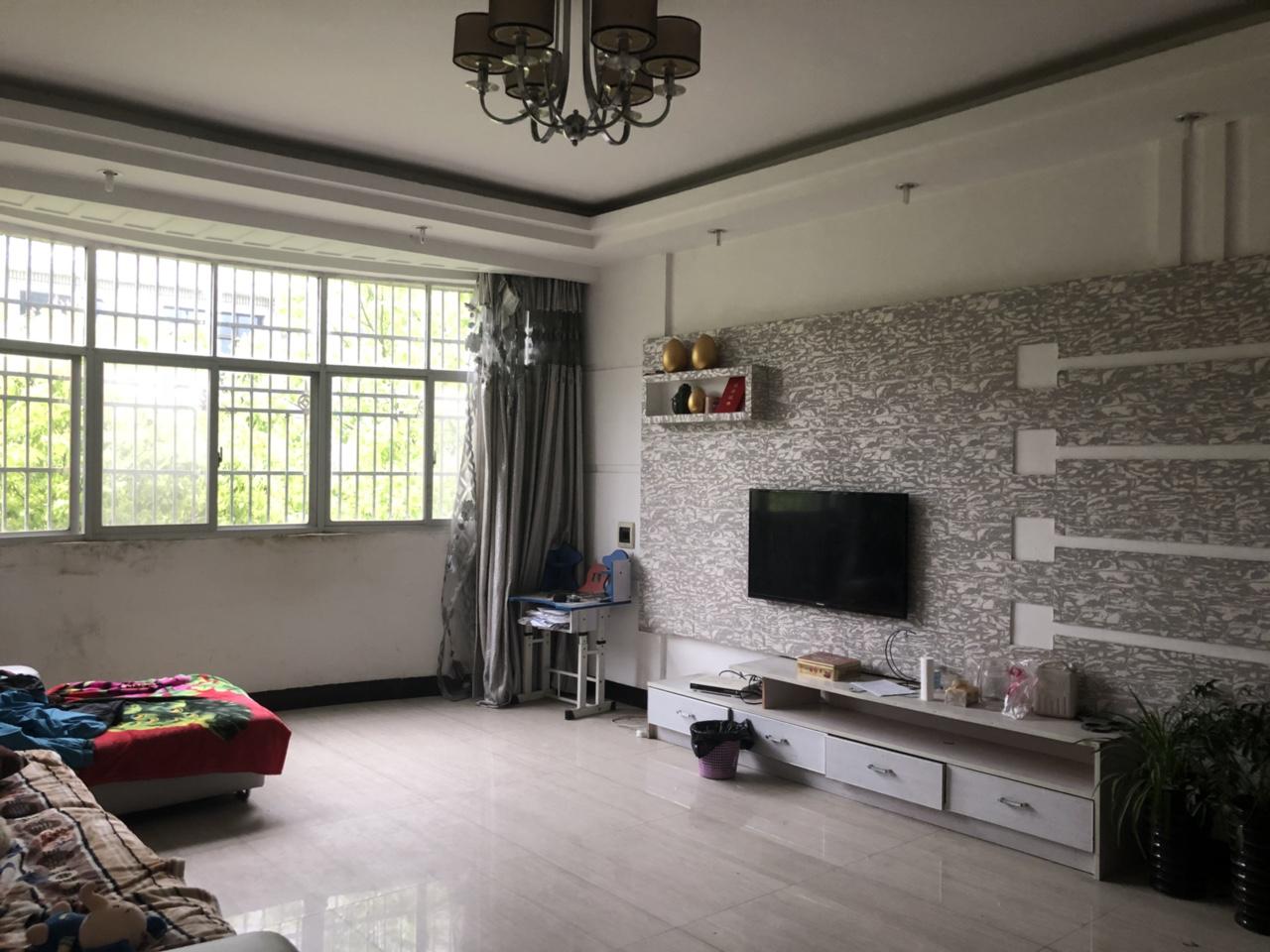景秀公寓精装4室 2厅 2卫面议