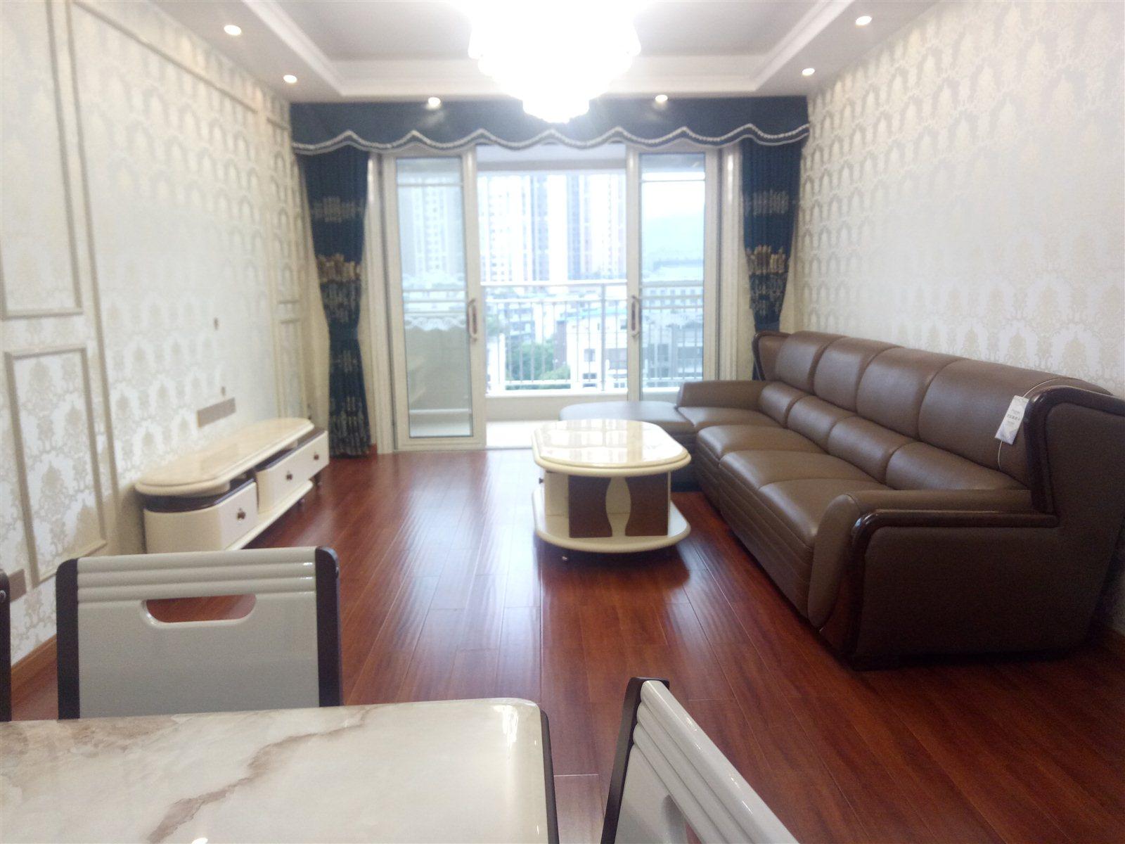 川源带品牌家具2室 2厅 1卫64.8万元