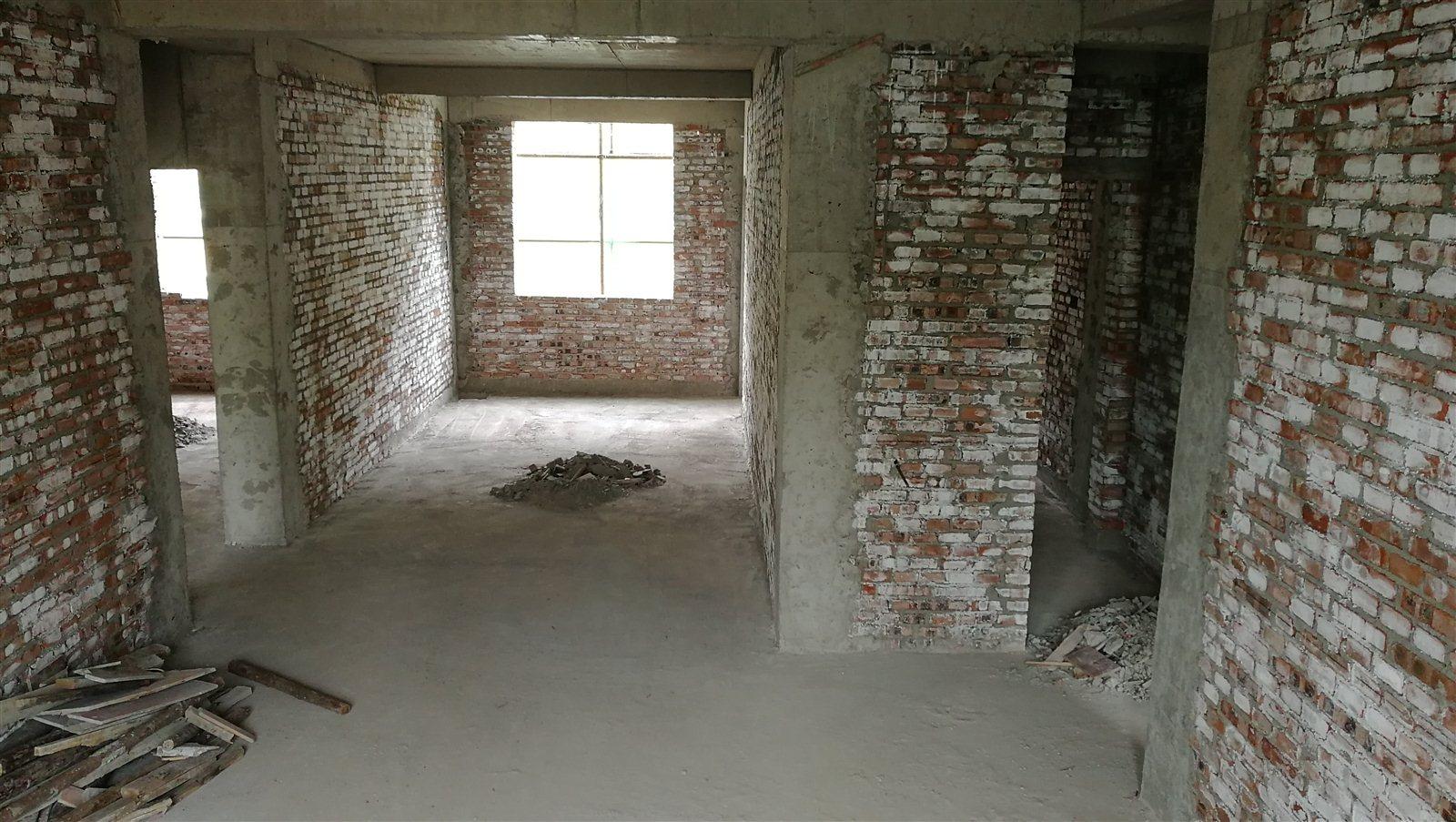 京九路现房3室 2厅 2卫电梯洋房可按揭超低价出售